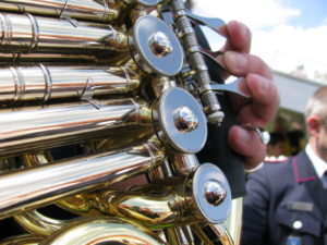 french-horn-valves-levers-art's music shop
